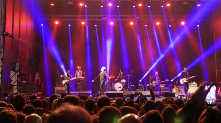 Equipos de sonido e iluminacion para conciertos